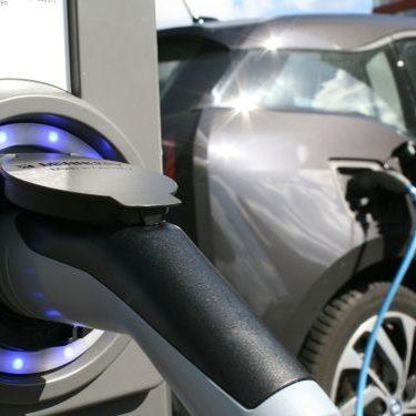 Elektromobilität nutzen - Elektrofahrzeuge intelligent einsetzen - Berater für Elektromobilität